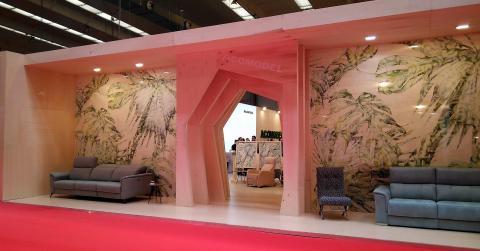 Stand para Tapizados Acomodel en Feria de Zaragoza 2018. Diseño, BimBamBum.